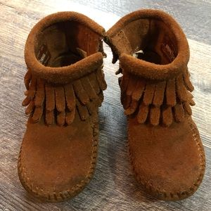 Size 4 Minnetonka boots